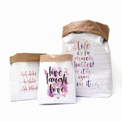 Set van 3 paperbags Love
